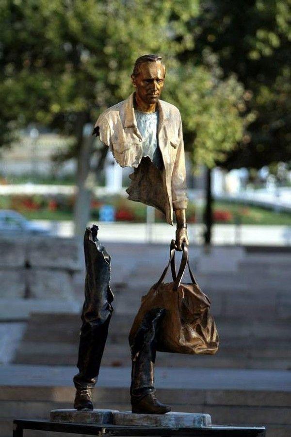 Les Voyageurs, bronze sculptures by Bruno Catalano - ego-alterego.com