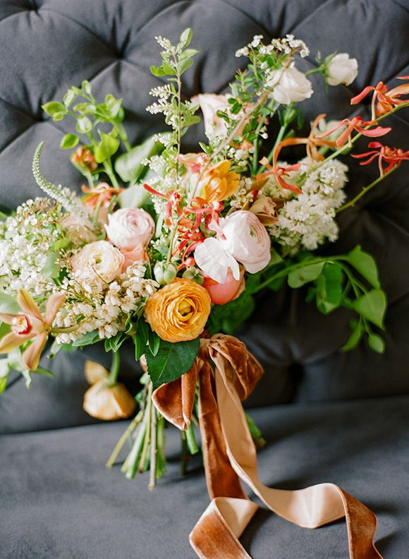 Flowers: Amy Osaba | Makeup + Hair: Claudia Mejerle | Photo: Ali Harper | Styling: Ginny Branch | Dress: The Sentimentalist: Bridal Bouquets, Fall Bouquets, Color, Ali Harpers, Wedding Bouquets, Amy'S Uncle, Bridal Flowers, Bouquets Ideas, Floral Inspiration
