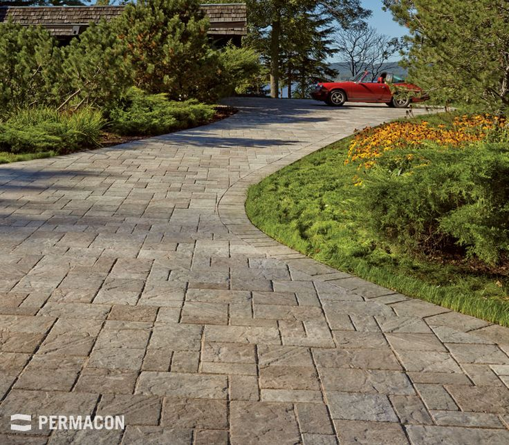 Entr e de garage invitante avec pav landscaping crh landscaping global pinterest nice - Entree de garage en pave ...