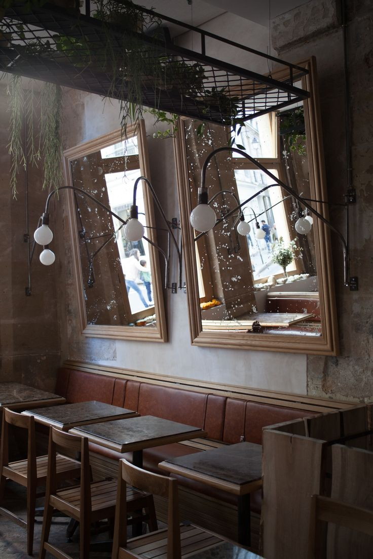 Last summer, couple Sabrina Goldin and Stéphane Abby opened Carbón, an Argentinian restaurant in the middle of the Marais in Paris. Sabrina is an Argentine