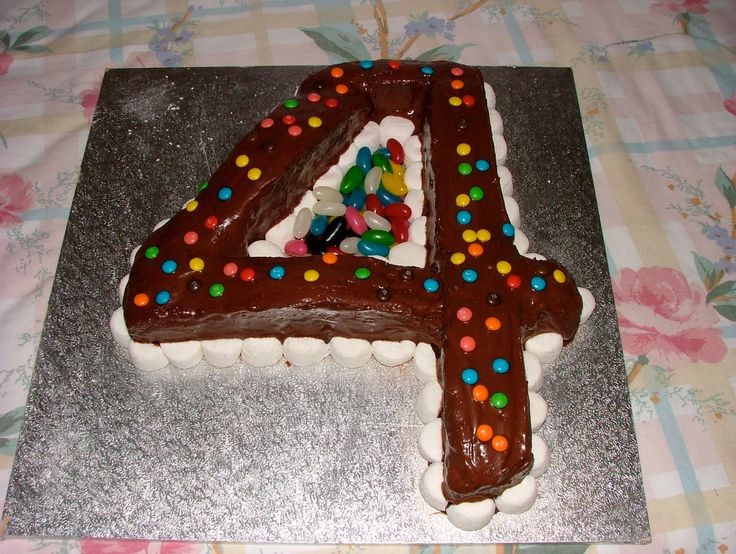 Number 4 cake