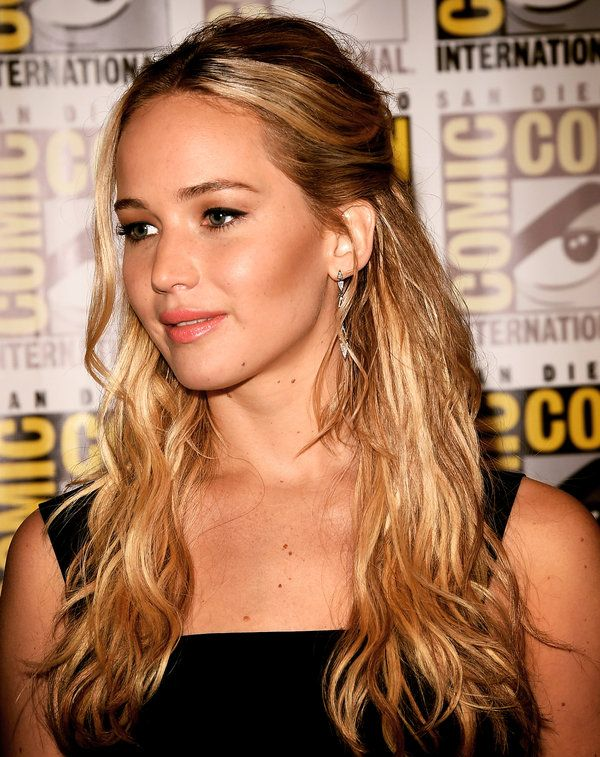 Jennifer Lawrence Has No Appetite for Playing Fame Games - NYTimes.com
