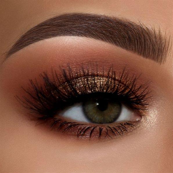 Kylie Jenner Makeup Makeup For Red Dress Makeup Direct Makeup Inspiration Makeup 1998 Makeup Revolution In 2020 Winter Makeup Smokey Eye Makeup Eye Makeup