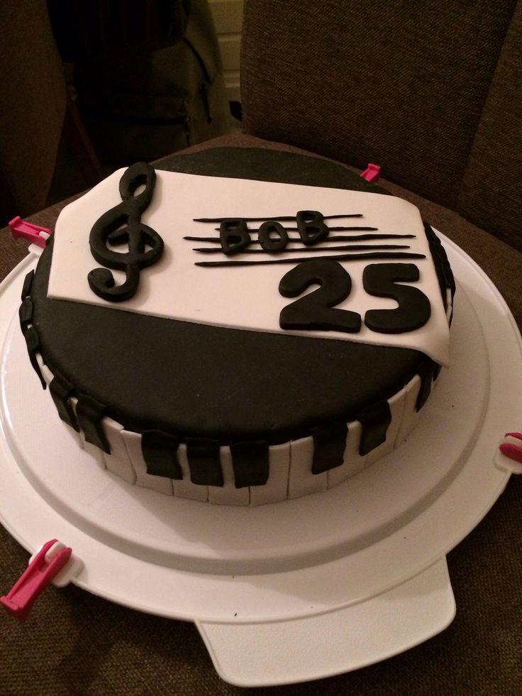 Piano cake Piano taart