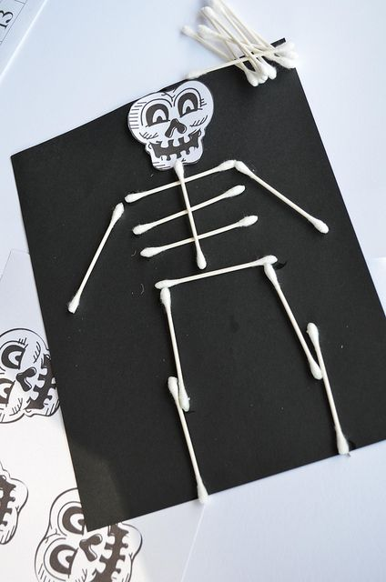 Q-Tip Skeleton: All you need is black paper and have the kids dip the ends of the q-tips in glue. Have the kids cut and glue the head, too. Skeleton head template found at http://www.beeinourbonnet.com/search/label/school%20stuff