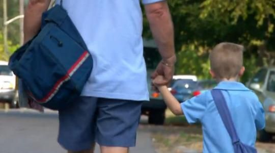 """One Tennessee mailman calls """"the best part of my day"""" visiting his favorite customer: 4-year-old Carter Lawson."""