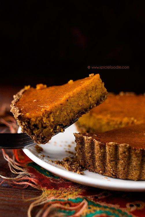Mini Pumpkin Pies Made with Acorn and Oat Flour Pie Crust Recipe by @SpicieFoodie | #pumpkinpie #AcornFlour #OatFlour #WheatFree