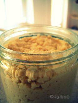 Weißes Mandelmus selber machen, mandelmus braucht immer noch etwas öl, da sie nicht so fettig sind, wie zum beispiel cashews...