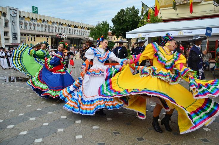 SUPERB! Parada folclorului mondial în centrul Timișoarei! FOTO-VIDEO