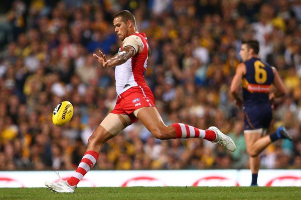 Lance Franklin of the Swans kicks the ball during the round four AFL match between the West Coast Eagles and the Sydney Swans at Domain Stadium on April 13, 2017 in Perth, Australia.