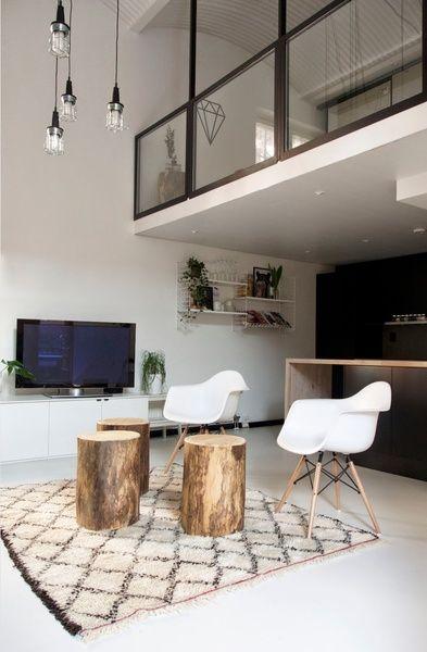 keittiö,remontti,olohuone,Tee itse - DIY,pölkky,design,puu,tuoli,baaripöytä,valkoinen,vaaleat sävyt,olohuoneen sisustus,tv-taso,kaappi,säilyty,seinähylly