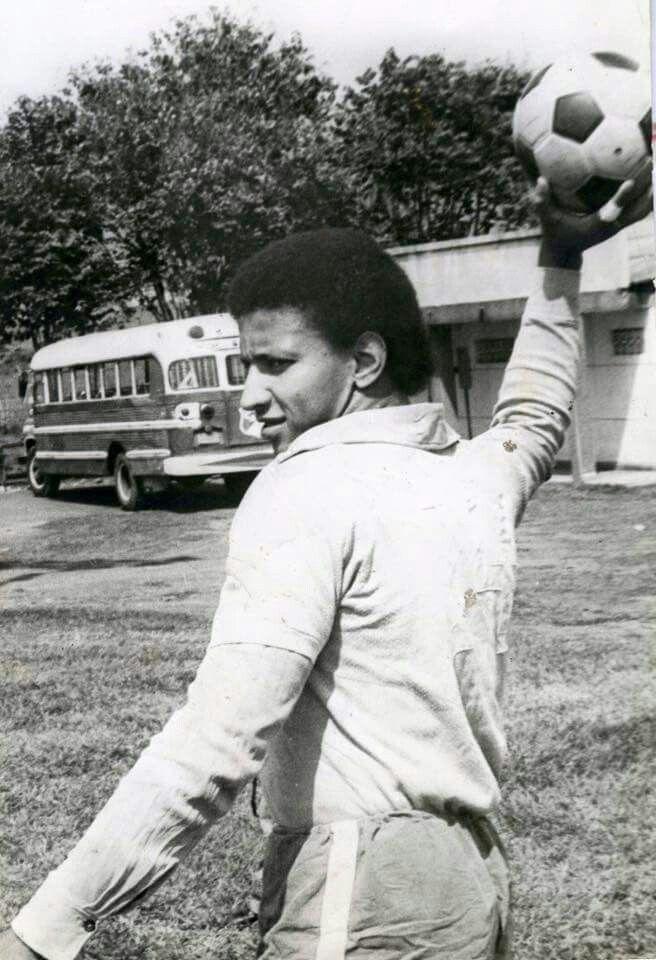 #RecordandoNuestraHistoriaNDC  Hoy recordamos al gran Pedro Antonio Zape, guardameta de nuestra institución entre los años 1969 a 1984. Deportivo #Cali