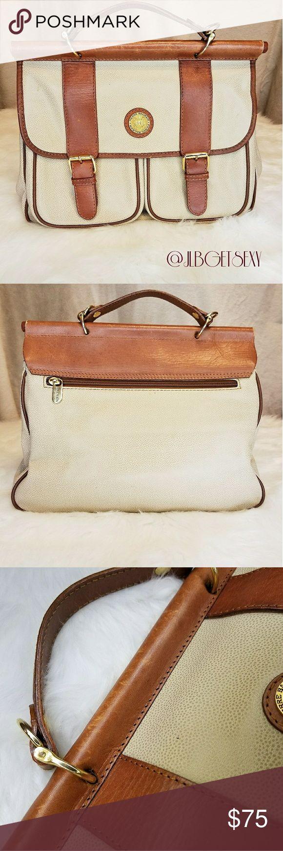 ❤STUNNING Balmain Vintage Handbag! Beautiful vintage Balmain bag! Great price this holiday season. GREAT VINTAGE condition! 😍 Balmain Bags