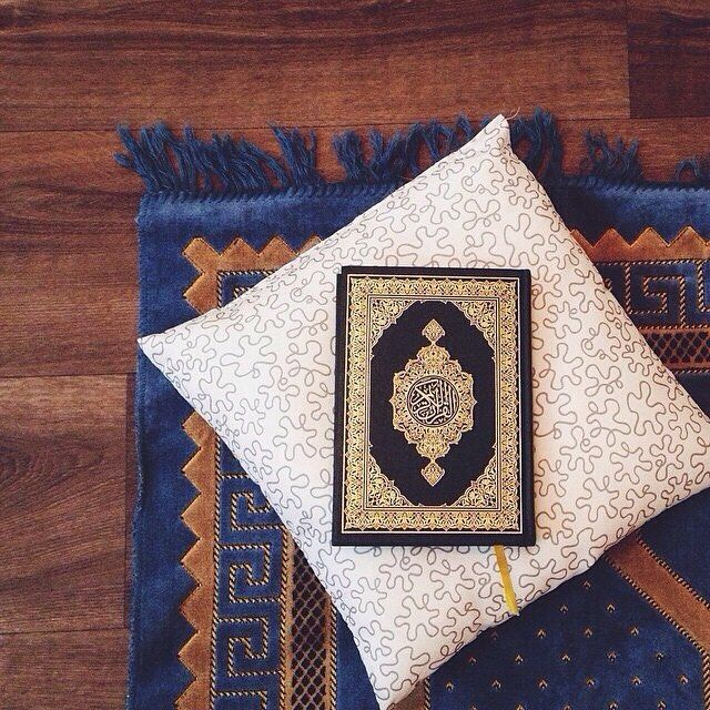 "It's Friday, don't forget to read Surah Al-Kahf ✨  Prophet ﷺ said: ""Whoever reads Surah Al-Kahf on Fridays will be adorned with light from that Friday to the next."" - ● (صحيح جامع الصغير ٢/٦٤٧٠)"