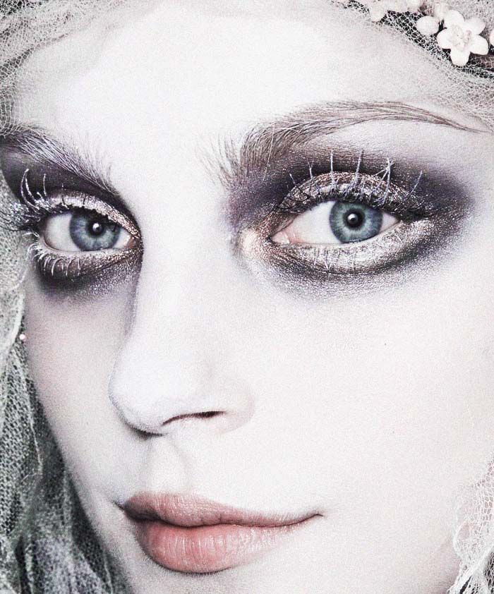 One of the most intense ethereal makeup looks of all time courtesy of Pat McGrath. Jessica Stam is an ice queen backstage at John Galliano F/W 2009