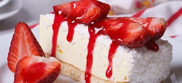 Η Μαριαλένα Τερζή μοιράζεται την συνταγή της για αφράτο και λαχταριστό cheesecake φράουλα που θα ενθουσιάσει όποιον το δοκιμάσει!