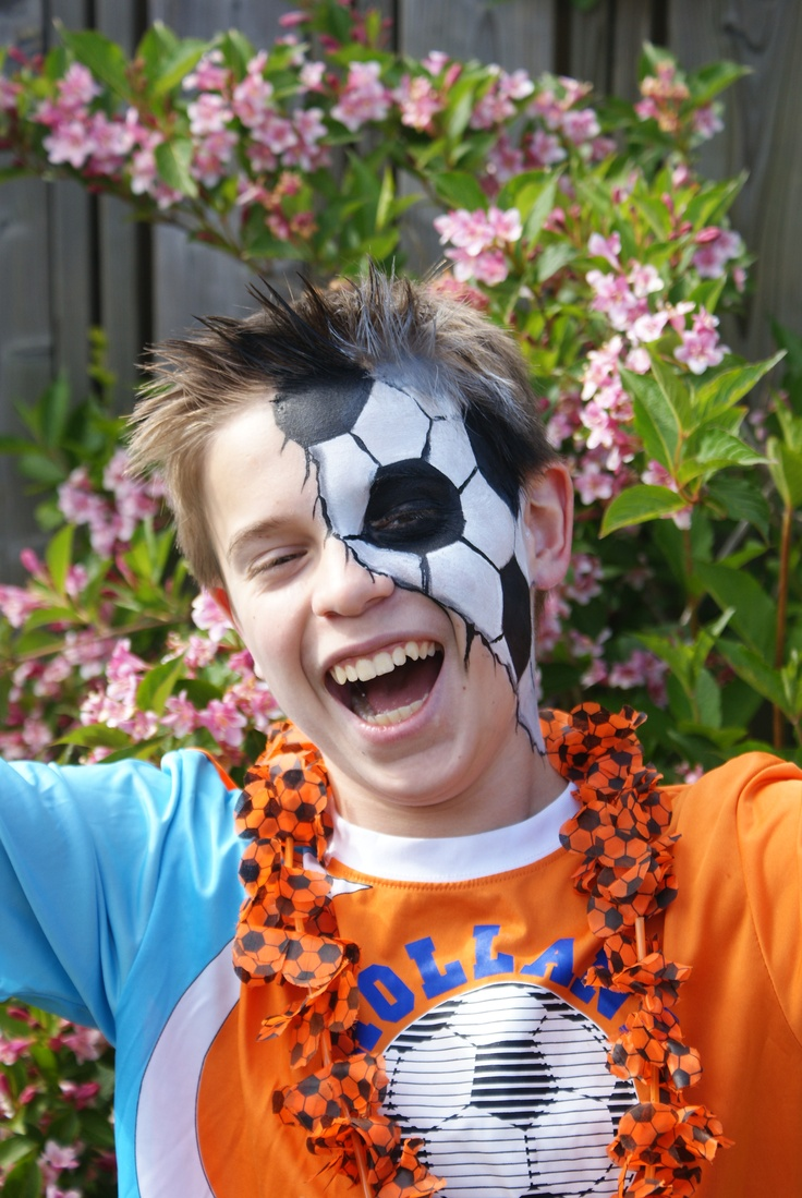 World Cup face paint! #Snazaroo #Football