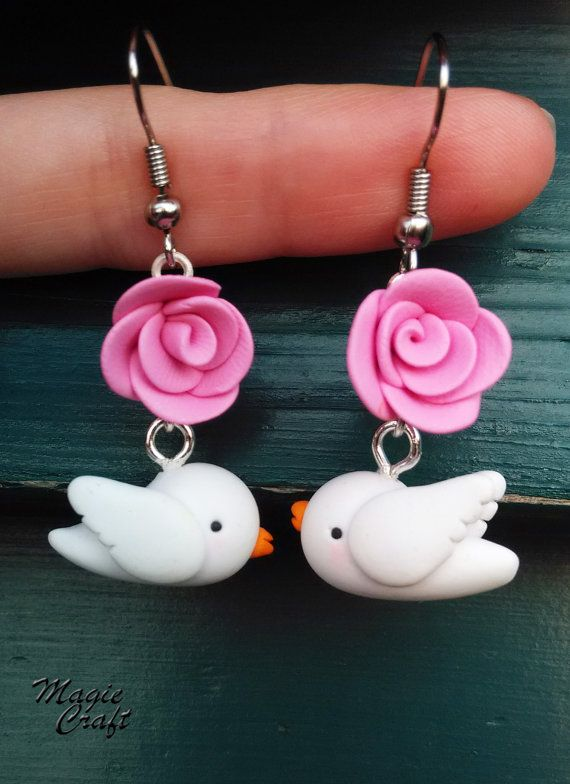 Orecchini in Fimo Colomba con Rosa dove bird di MagieCraft su Etsy, €7.00