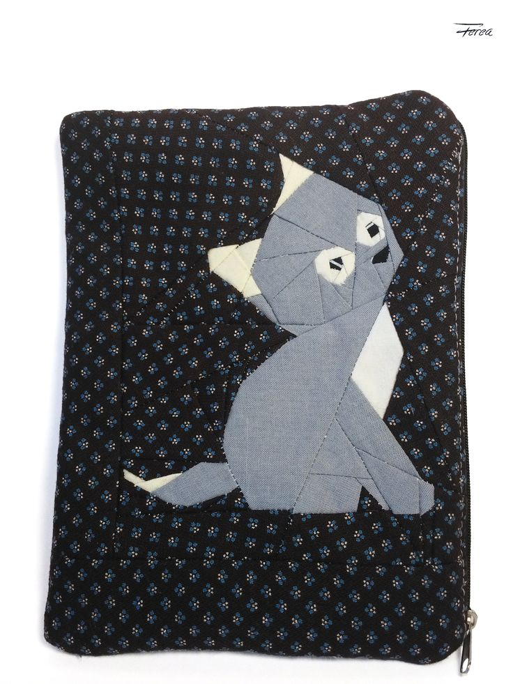 Cat paper pieced pattern designed by Ferea Ebook-reader case / makeup bag/ zippered pounch