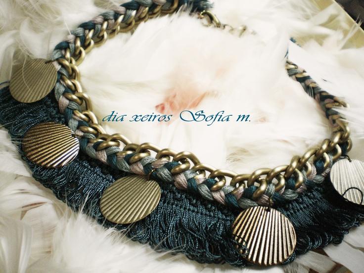 Au12.403 necklace