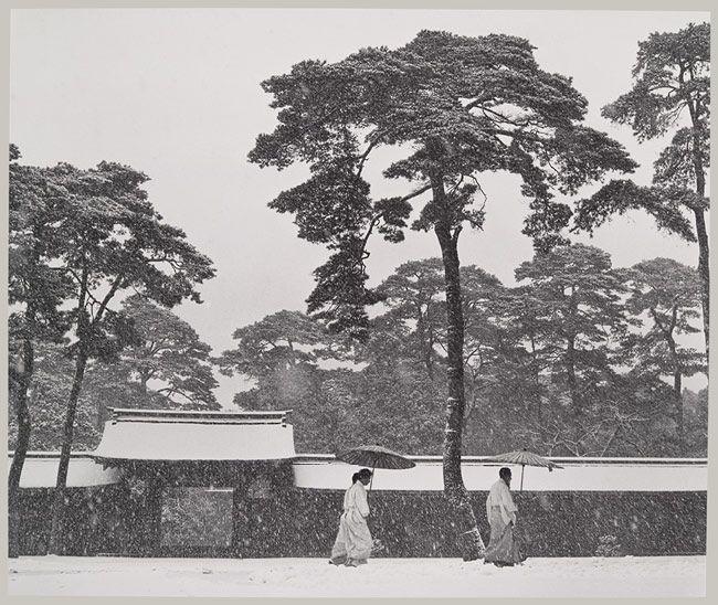 In the Court of the Meiji Temple, Tokyo, Japan, 1952 Werner Bischof (Swiss, 1916–1954)
