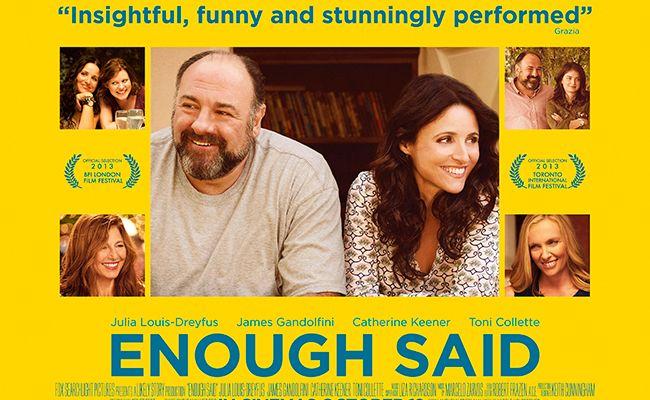 Lo mínimo que podíamos hacer por nuestro admirado James Gandolfini era ver su última película. Y lo que nos hemos encontrado es una irónica y divertida comedia con inteligentes reflexiones sobre la vida, el amor y el miedo a las segundas oportunidades. Una comedia deliciosa para pasar un buen rato.
