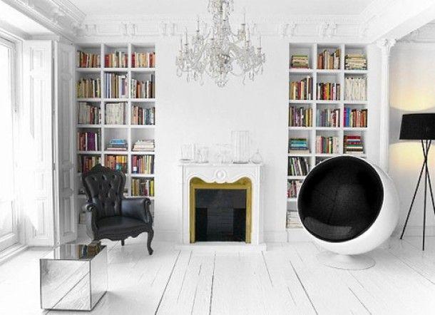 Interieur in moderne barok stijl | Woonkamer in moderne barok stijl. Woonkamer met barok stoel Door justyna
