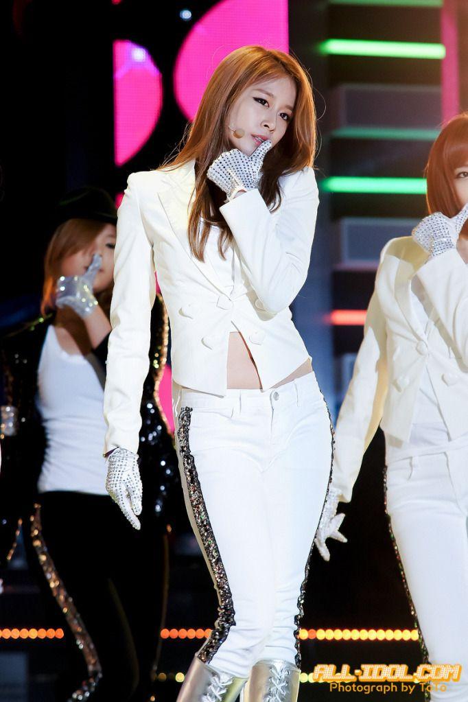 Jiyeon Sexy Love live