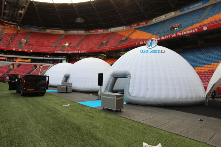 Dome Amsterdam ArenA 10m Dome Zelt aufblasbar www.quickspace.eu