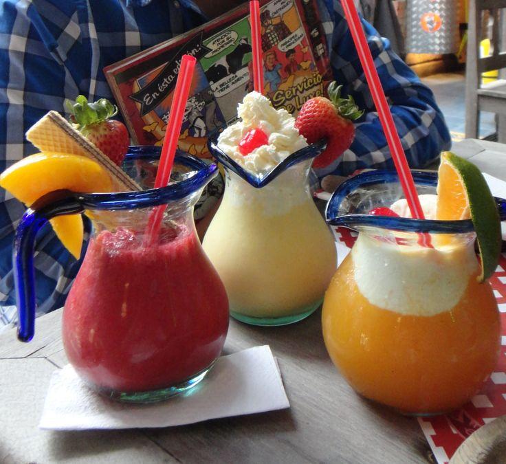Cocteles de frutas, mezclas de 3 frutas cada uno. Especialidad Andres Carne de Res!!