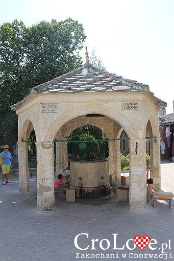 Studnia przy Meczecie Karadjozbega | Mostar - Bośnia i Hercegowina || http://crolove.pl/mostar-wielokulturowe-miasto-bosni-hercegowinie/ || #Mostar #BosniaiHercegowina #bih