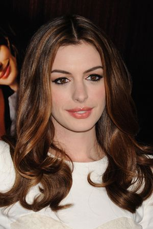 Beauty How-To: Anne Hathaway's Stunning Makeup