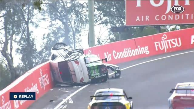 Mt Panorama V8 Supercars - Safety Car Moment 2015