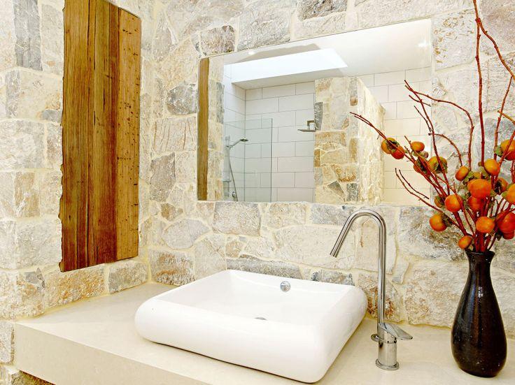 Eco Outdoor Coolum random ashlar walling used in bathroom, The Garden Company. Eco Outdoor | livelifeoutdoors | Outdoor design | stone walling| Natural stone walling | Design inspiration | Stone veneer | Stone walling | Stone cladding | Luxury homes | Interiors | Bathrooms