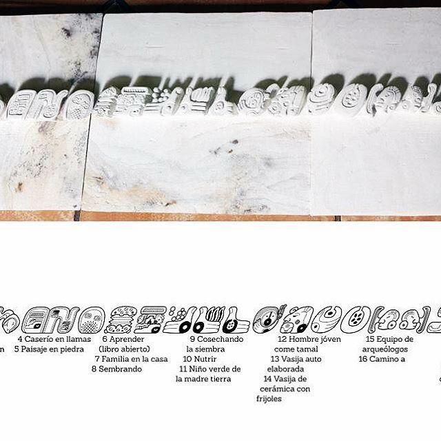 """#tb. Alto relieve, tableta tallada en piedra en colaboración con maestro #DonMundo para exposición en Museo Nacional de Antropología """"Dr. David J Guzmán"""", #ElSalvador. Marzo, 2014. #sakbe #sanandres #joyadeceren #copanruinas #museumexhibition #pictoglyphs #infographic #signdesign"""
