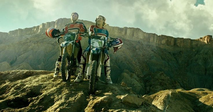 'Point Break' Remake Featurette Shows Off Epic Motocross Stunts -- Go behind-the-scenes with star Luke Bracey and director Ericson Core to see how they pulled off motocross stunts in the 'Point Break' remake. -- http://movieweb.com/point-break-remake-featurette-motocross-stunts/