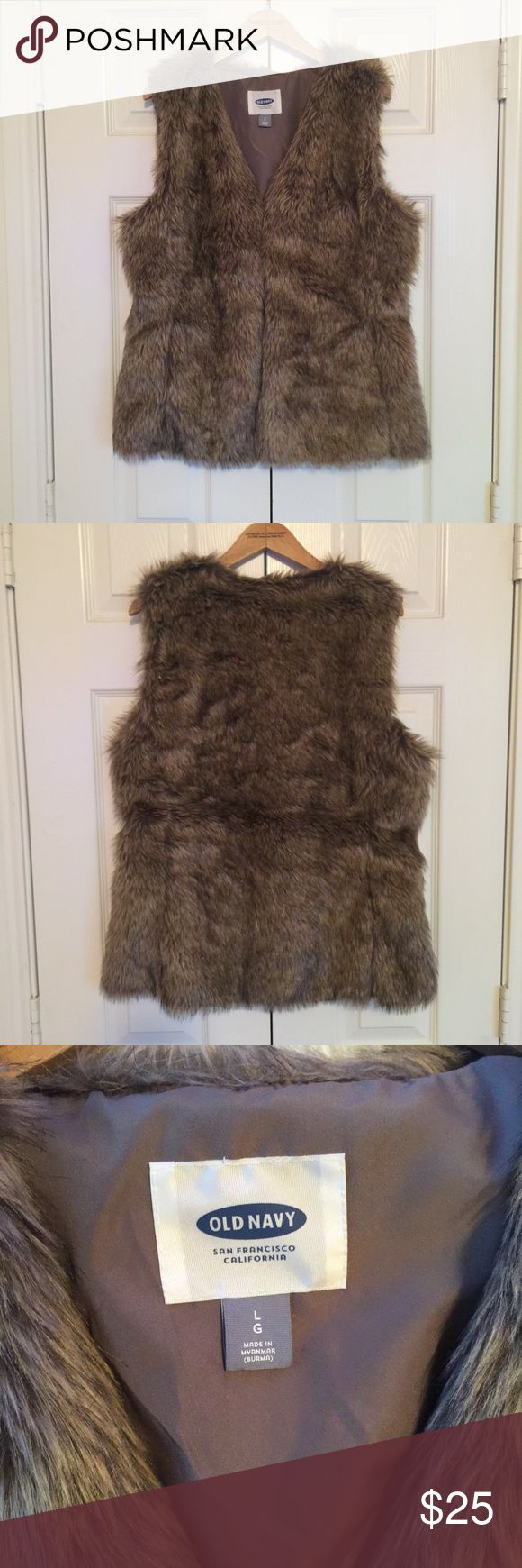 Old Navy Faux Fur Vest Old Navy faux fur vest. Only worn once. In great condition. Very cute. Great for fall. Old Navy Jackets & Coats Vests
