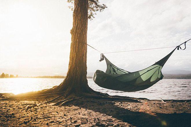 여름이 지나가고 시원한 바람 가득한 가을은 우리 모두의 기분을 상쾌하게 만들어줍니다. 시원한 가을 꼭 먼 곳으로 떠나는 여행이 아닌 가까운 장소라도 찾아가 삶의 여유를 찾아보는 것은 어떨까요. AMOK의 해먹은 우리 모두의 삶을 조금 더 여유롭게 해주는 제품이라고 생각합니다. AMOK의 자세한 정보를 맥포스코리아에서 확인해보세요.  http://www.magforcekorea.com  #magforcekorea #amok #hammock #camping #맥포스코리아 #아모크 #해먹 #캠핑