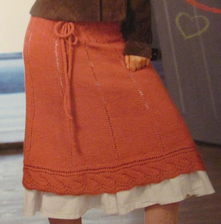 Sticka kjol med bred resår och knytband S - XL