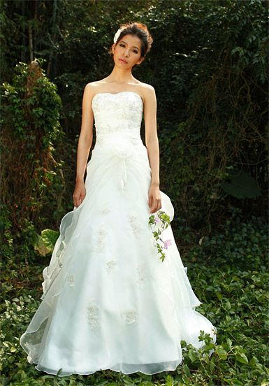 Strapless Falbala #Wedding#Dress with Hand Made Flower