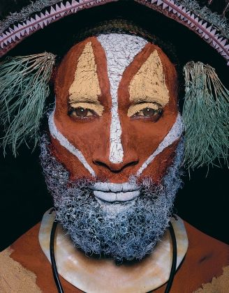 Papua New Guinea | Huli tribesman, Ialuba area, Southern Highlands. Image from the publication Man As Art: New Guinea. | © Malcolm Kirk