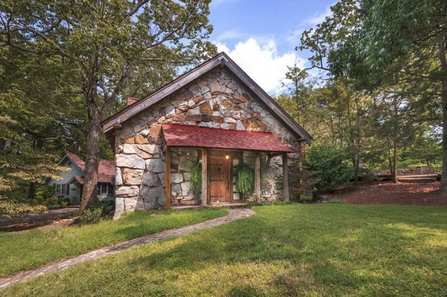 6 Barn Homes for Sale Across America - Barns for Sale