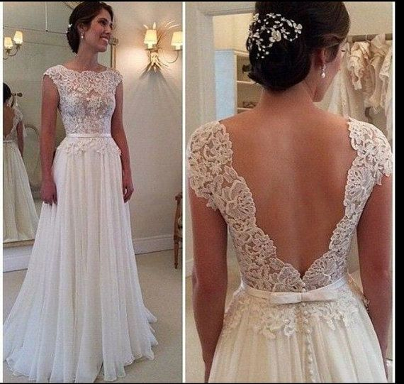 Deep V-Cut Lace Chiffon Wedding Dress Boho door BailynnBouNique