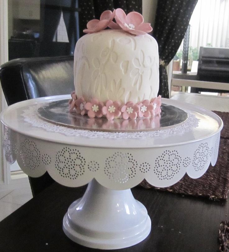 mini cake for Ellie..♥