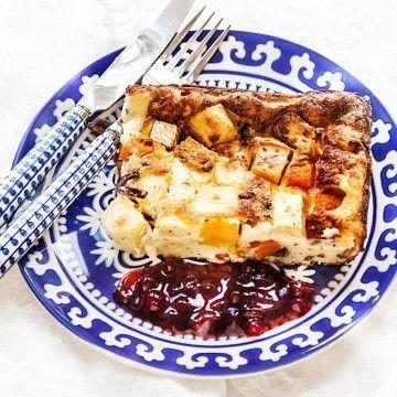 Lisa Lemkes ugnspannkaka med rotfrukter och lingon - Recept - Tasteline.com
