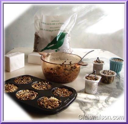 Préparation de gâteaux de graines moulés.