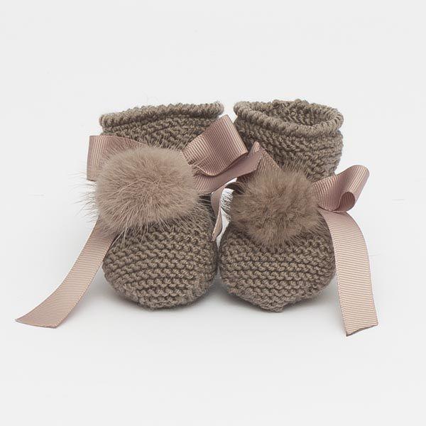 Petits chaussons pour bébé