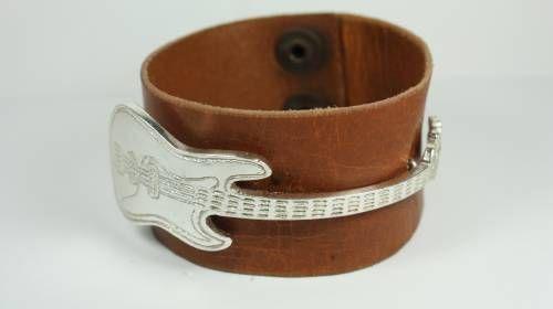 """Pulsera bajo """"Fender"""" cuero y plata de ley, joyas personalizadas,  joyas por encargo, joyas musicales"""