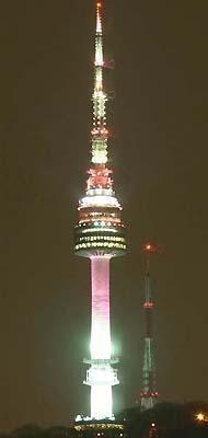ソウル中心部にある南山にある、Nソウルタワー☆
