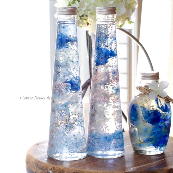 ハーバリウム⋆︎* * 夏のイメージで出来ました❁︎❁︎ ワークショップでもこちらのビンを使っていただく予定です( ˊᵕˋ ) * 水の中から空を見上げたときのようなキラキラ感⋆︎* 早朝のツユクサい - lichtteflower
